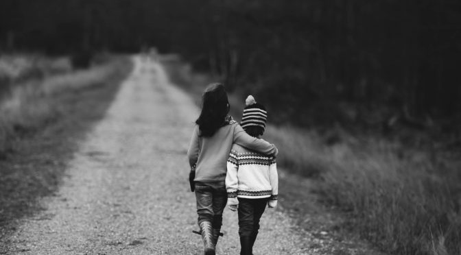 kids_walking